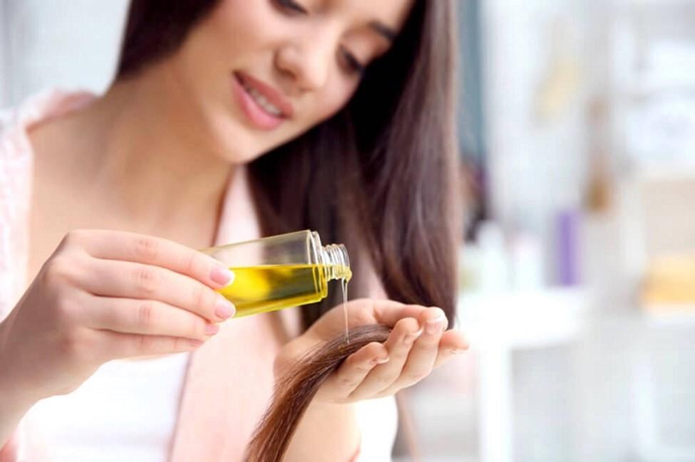 کاربرد روغن زیتون برای شادابی پوست و مو